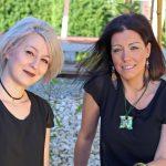 Außenbereich: Friseurmeisterin und Inhaberin des Salons Frau Sandra Hofsäß mit Ihrer Mitarbeiterin